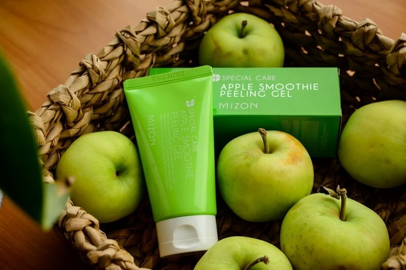 tẩy da chết peeling gel mizon apple smoothie